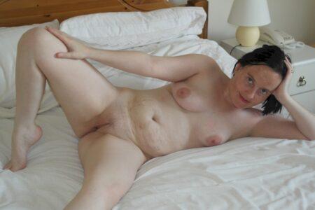 Coquine sexy dominante pour amant qui est docile
