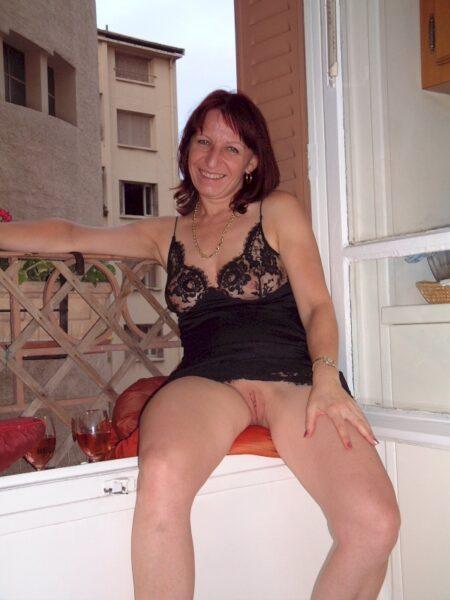 Femme adultère vraiment très chaude recherche un homme impudique