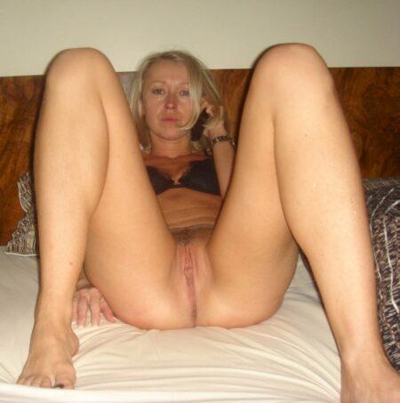 Femme cougar soumise pour homme qui aime soumettre